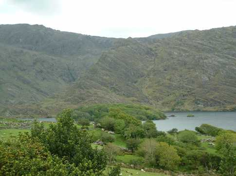 MountainViews.ie Picture about mountain Coomcallee in area Dunkerron Mountains, Ireland