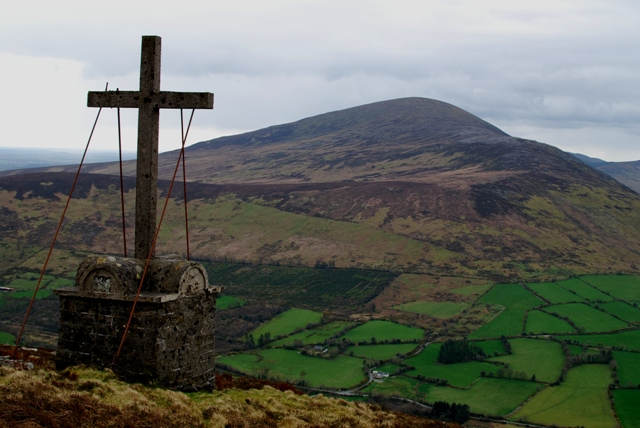 MountainViews.ie Picture about mountain Knockroe in area Blackstairs Mountains, Ireland