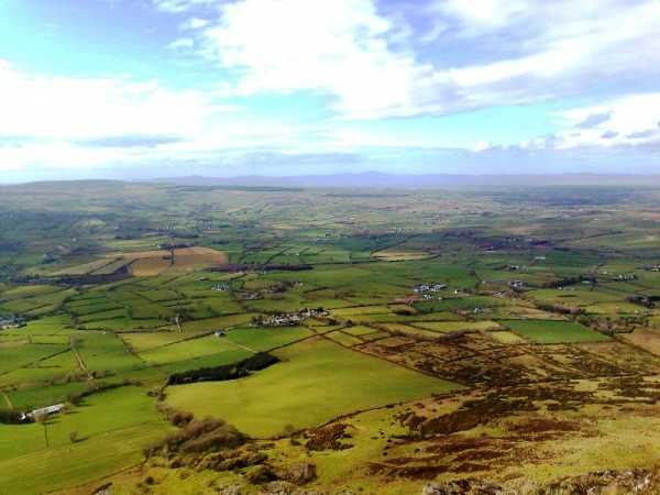 MountainViews.ie Picture about mountain Benbradagh in area Sperrin Mountains, Ireland