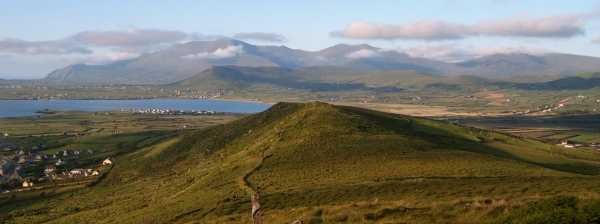 MountainViews.ie Picture about mountain Cruach Mhárthain in area Dingle West, Ireland