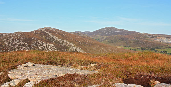 MountainViews.ie Picture about mountain Sliabh an tSratha Greadaithe in area Donegal NW, Ireland