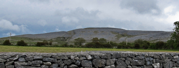 MountainViews.ie Picture about mountain Abbey Hill (<i>Cnoc na Mainistreach</i>) in area West Clare, Ireland