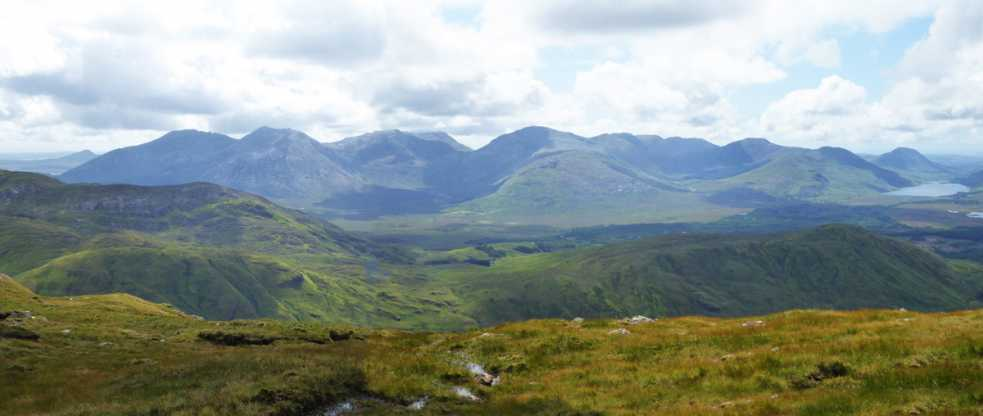 MountainViews.ie Picture about mountain <i>Meall Cheo</i> (<i>An Meall Dubh barr thiar thuaidh</i>) in area Maamturks, Ireland