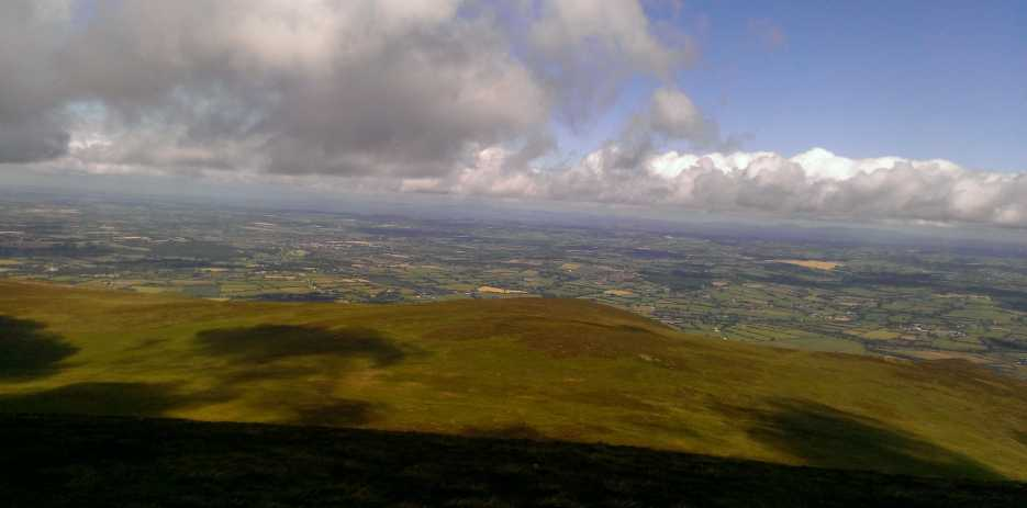 MountainViews.ie Picture about mountain Slievenamon North-West Top (<i>Sliabh na mBan barr thiar thuaidh</i>) in area South East Midlands, Ireland
