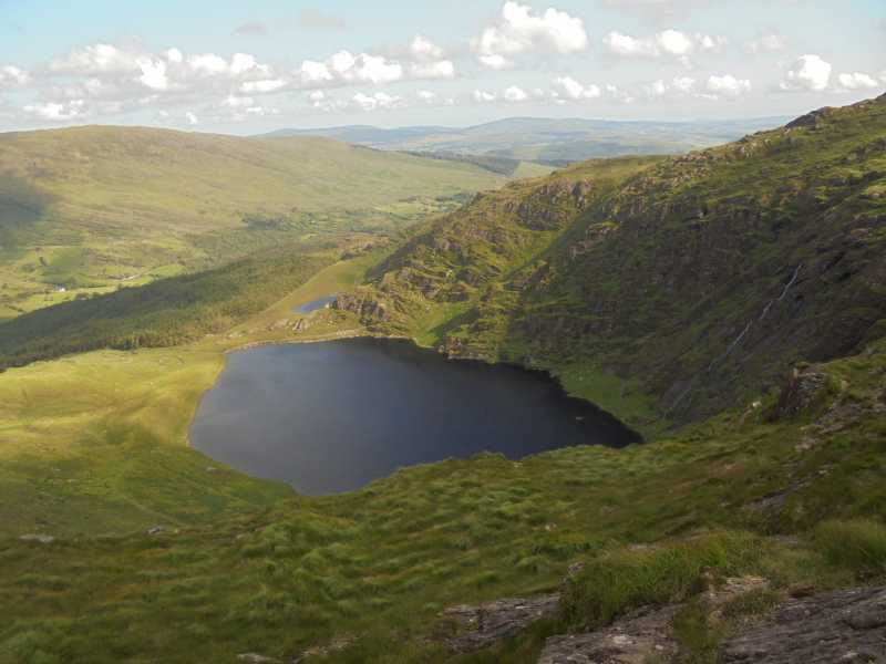 MountainViews.ie Picture about mountain Caoinkeen South-East Top (<i>An Caincín (mullach thoir theas)</i>) in area West Cork Mountains, Ireland