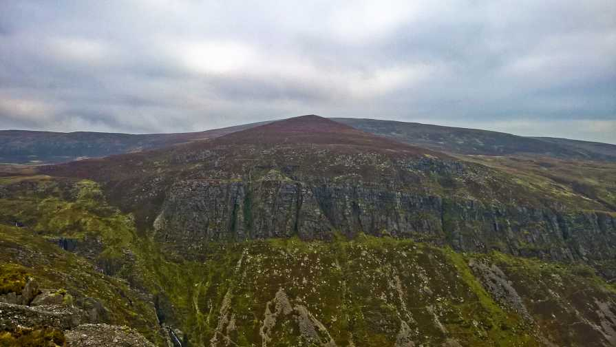 MountainViews.ie Picture about mountain Knockaunapeebra in area Comeragh Mountains, Ireland