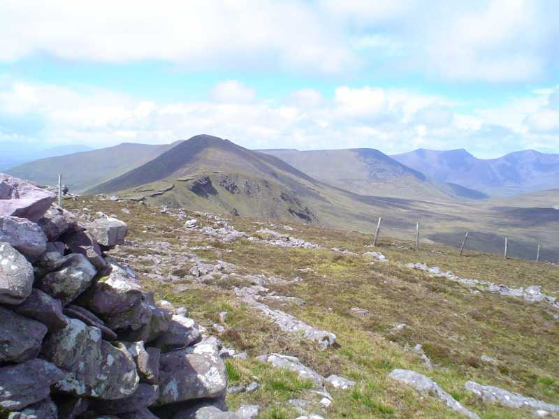 MountainViews.ie Picture about mountain Cnoc na Bánóige in area Central Dingle, Ireland