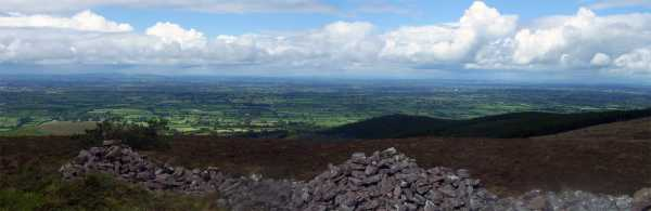 MountainViews.ie Picture about mountain Carron Mountain in area Ballyhoura Mountains, County Limerick, Ireland