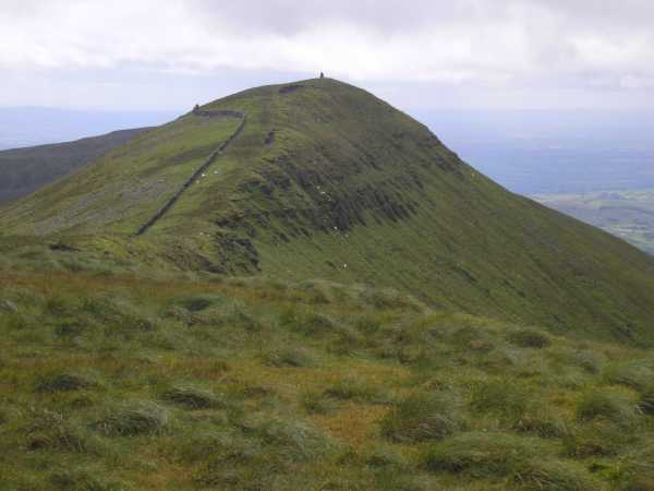 MountainViews.ie Picture about mountain Lyracappul in area Galty Mountains, Ireland