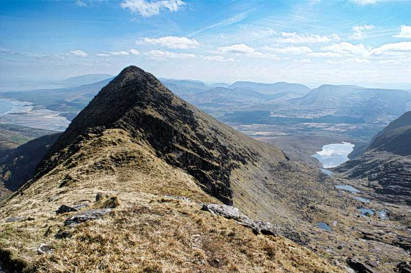 MountainViews.ie Picture about mountain Benagh (<i>Binn Fhaiche</i>) in area Brandon Group, Ireland