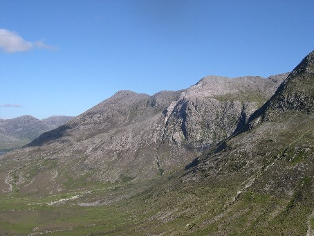 MountainViews.ie Picture about mountain Bencorrbeg in area Twelve Bens, Ireland