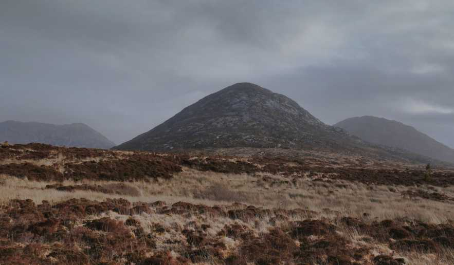 MountainViews.ie Picture about mountain Benglenisky (<i>Binn Ghleann Uisce</i>) in area Twelve Bens, Ireland