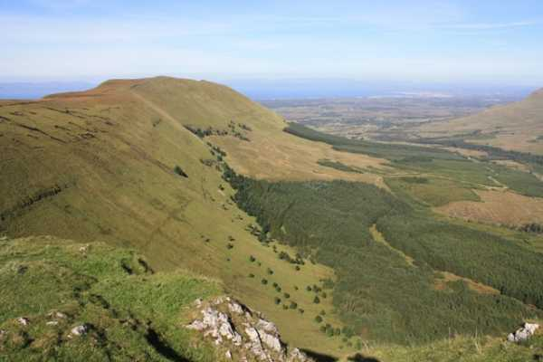 MountainViews.ie Picture about mountain Benwiskin in area Dartry Mountains, Ireland