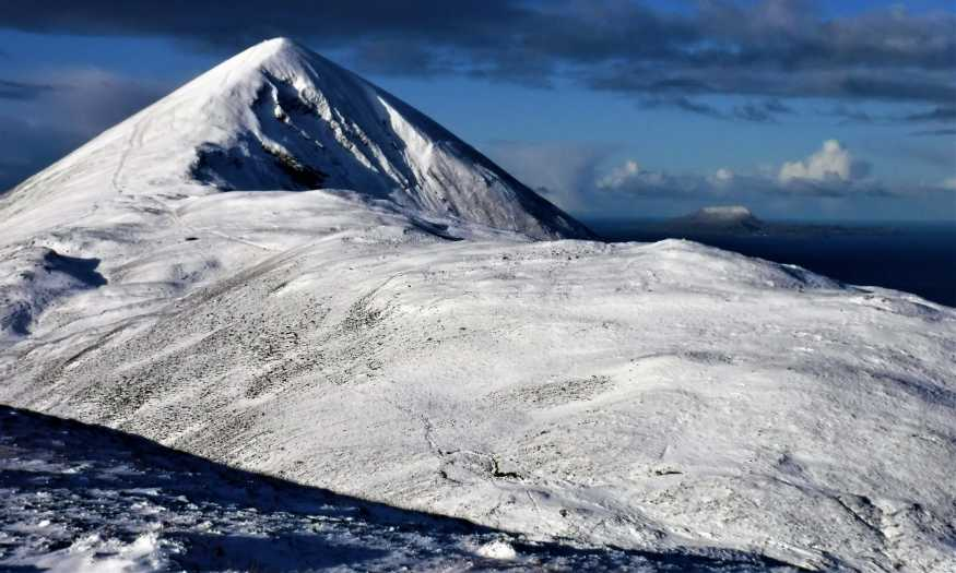 MountainViews.ie Picture about mountain Teevenacroaghy in area Croagh Patrick, Ireland