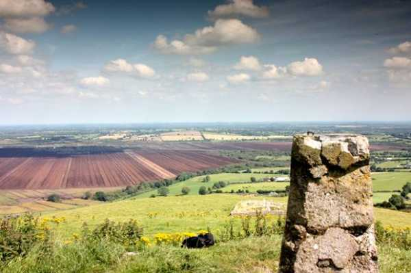 MountainViews.ie Picture about mountain Croghan Hill in area North Midlands, County Offaly, Ireland