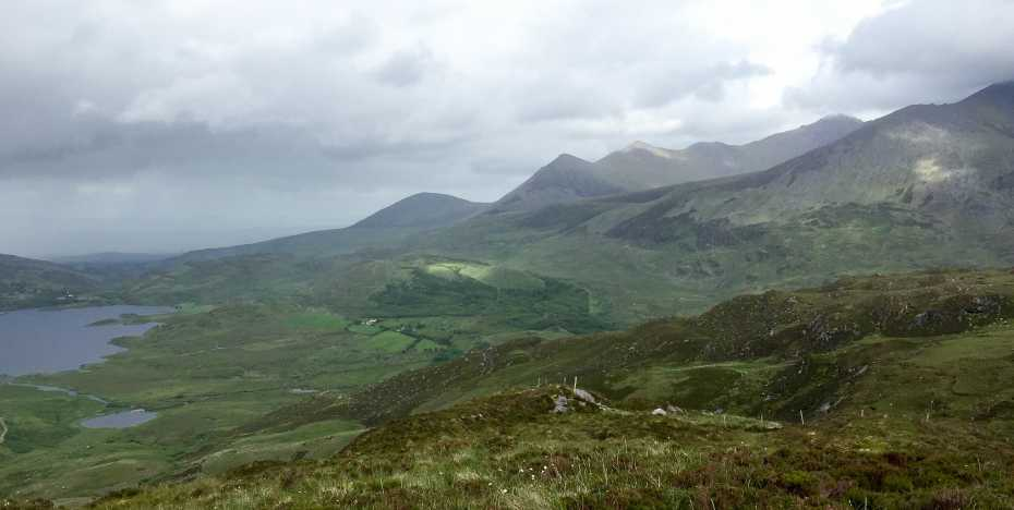 MountainViews.ie Picture about mountain Beann Dubh in area MacGillycuddy