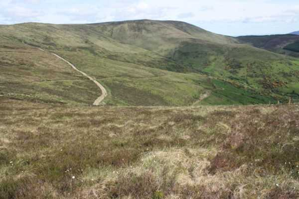 MountainViews.ie Picture about mountain Glennagalliagh Mountain in area Shannon, Ireland
