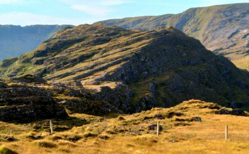 MountainViews.ie Picture about mountain Coomnalack Top (<i>Cnoc Chom na Leac</i>) in area Caha Mountains, Ireland