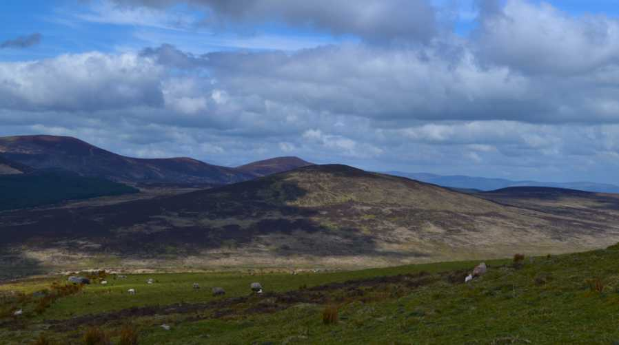 MountainViews.ie Picture about mountain Knocksculloge in area Knockmealdown Mountains, Ireland