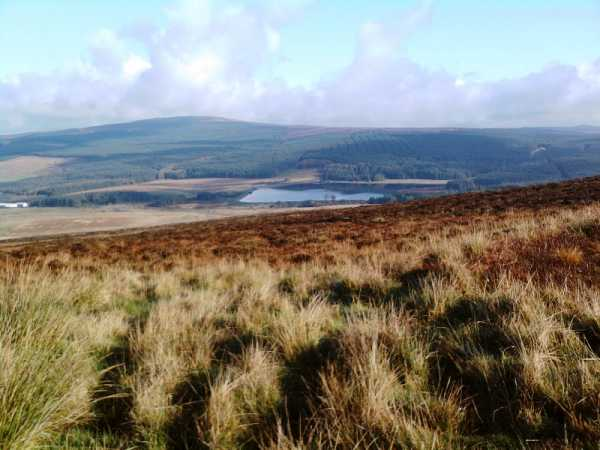 MountainViews.ie Picture about mountain Slievenahanaghan in area Antrim Hills, Ireland