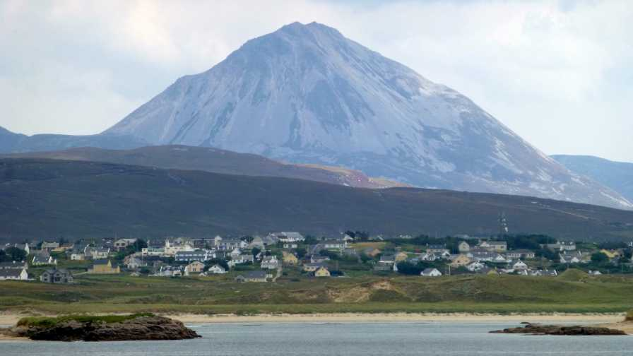 MountainViews.ie Picture about mountain Errigal (<i>An Earagail</i>) in area Derryveagh Mountains, Ireland