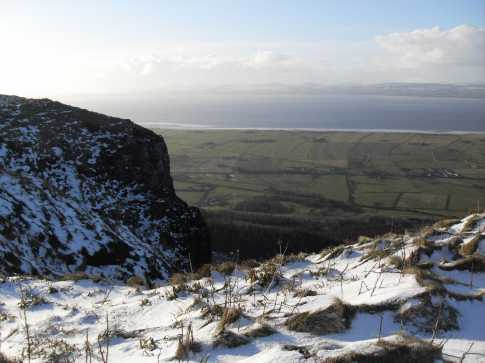 MountainViews.ie Picture about mountain Binevenagh in area Keenaght, Ireland