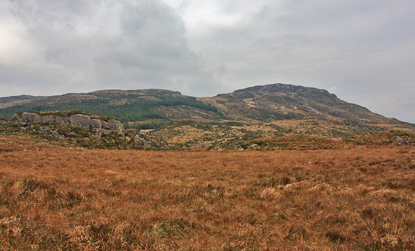 MountainViews.ie Picture about mountain Knocknabrone Hill in area MacGillycuddy