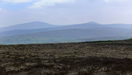MountainViews.ie Picture about mountain Crockdooish (<i>Cnoc Dhubhaise</i>) in area Sperrin Mountains, Ireland