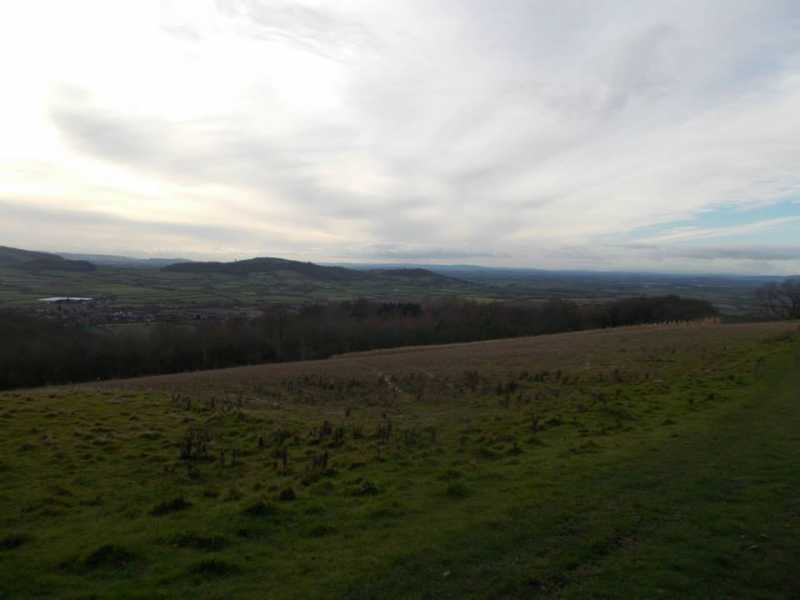 MountainViews.ie Picture about mountain Alderton Hill  in area Central and Eastern England, Ireland