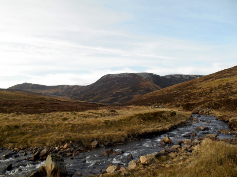 MountainViews.ie Picture about mountain Carn Aosda in area Pitlochry to Braemar and Blairgowrie, Ireland