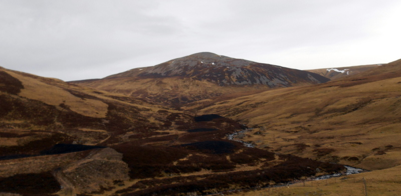 MountainViews.ie Picture about mountain Carn an Tuirc in area Braemar to Montrose, Ireland