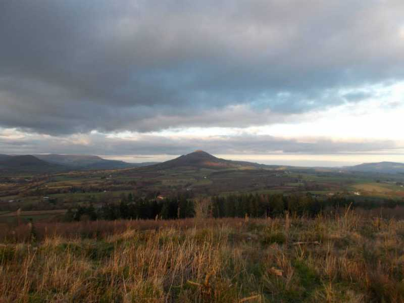 MountainViews.ie Picture about mountain Ysgyryd Fach in area Llandovery to Monmouth, Ireland