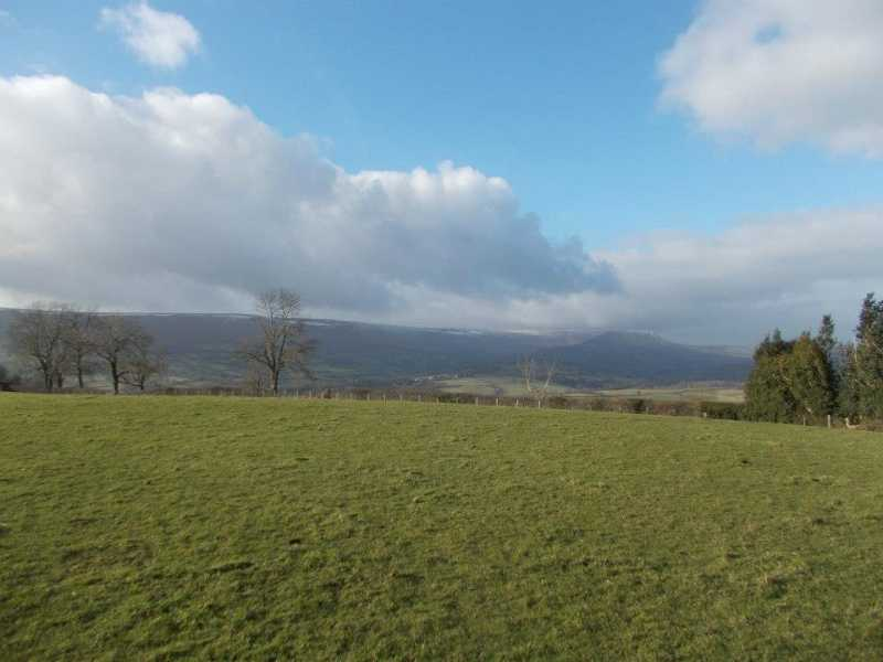 MountainViews.ie Picture about mountain Mynydd Ferddin  in area West Gloucestershire, Hereford & Worcester, Ireland