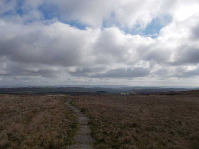 MountainViews.ie Picture about mountain Withins Height [Round Hill] (boundary)  in area Lancashire, Cheshire & the Southern Pennines, Ireland