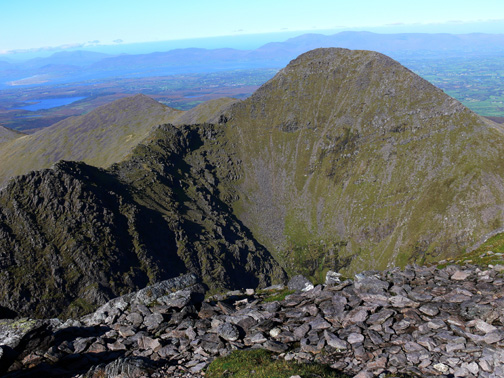 MountainViews.ie Picture about mountain Beenkeragh (<i>Binn Chaorach</i>) in area MacGillycuddy