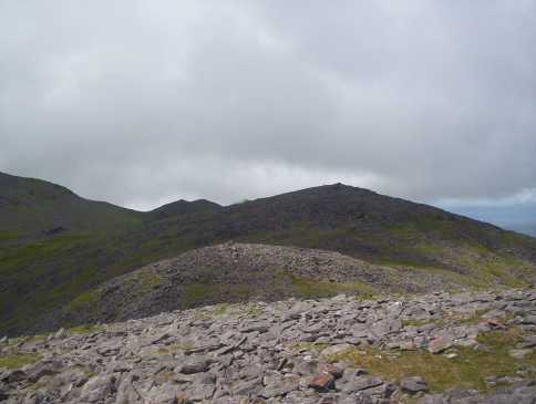 MountainViews.ie Picture about mountain Knockbrinnea West Top (<i>Cnoc Broinne (mullach thiar)</i>) in area MacGillycuddy