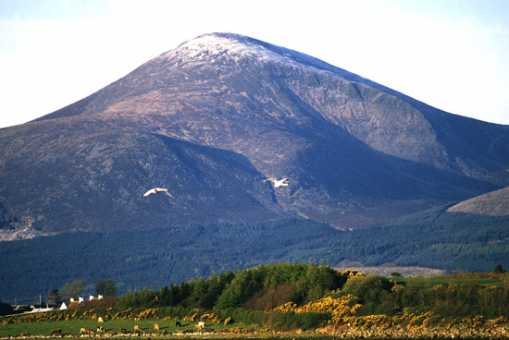 MountainViews.ie Picture about mountain Slieve Donard in area Mourne Mountains, Ireland