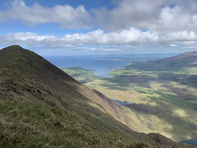 MountainViews.ie Picture about mountain Barr an Ghéaráin in area Brandon Group, Ireland
