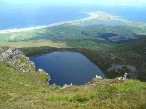 MountainViews.ie Picture about mountain Beenoskee in area Central Dingle, Ireland