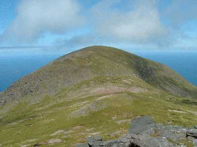 MountainViews.ie Picture about mountain Masatiompan (<i>Más an Tiompáin</i>) in area Brandon Group, Ireland
