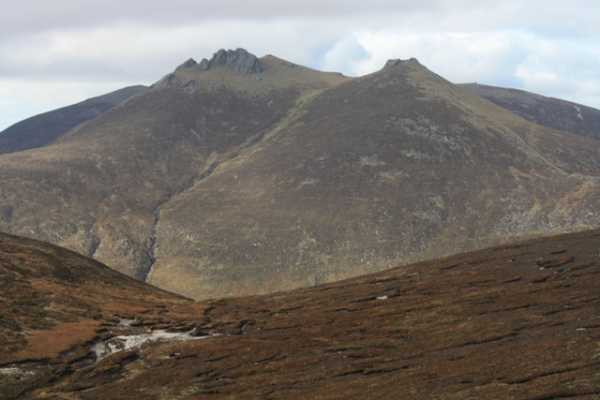 MountainViews.ie Picture about mountain Slieve Bearnagh in area Mourne Mountains, Ireland