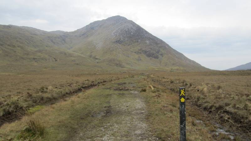 MountainViews.ie Picture about mountain Letterbreckaun (<i>Binn Bhriocáin</i>) in area Maamturks, Ireland