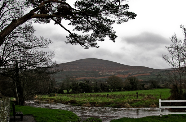 MountainViews.ie Picture about mountain Knockshanahullion in area Knockmealdown Mountains, Ireland