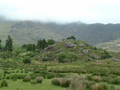 MountainViews.ie Picture about mountain An Ghuala Ghorm in area Dunkerron Mountains, Ireland