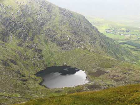 MountainViews.ie Picture about mountain Macklaun (<i>Mothallán</i>) in area Glenbeigh Horseshoe, Ireland
