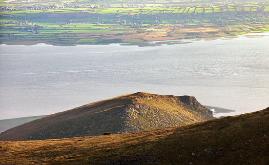 MountainViews.ie Picture about mountain Castle Hill in area Slieve Mish, Ireland