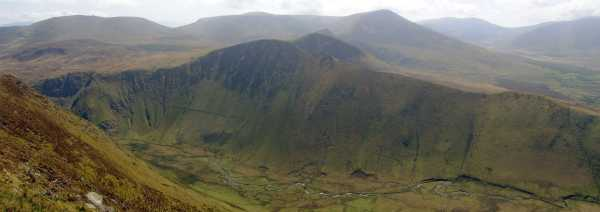 MountainViews.ie Picture about mountain Binn an Tuair in area Central Dingle, Ireland