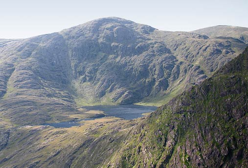 MountainViews.ie Picture about mountain Coomnahorna in area Dunkerron Mountains, Ireland