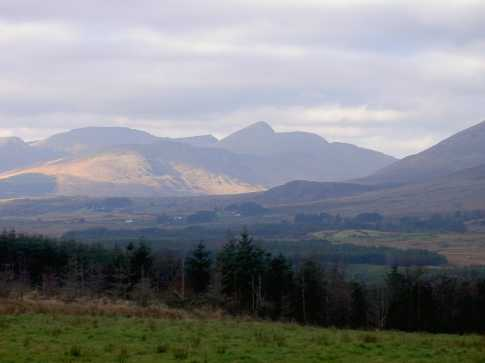 MountainViews.ie Picture about mountain An Cnoc Riabhach in area Dunkerron Mountains, Ireland