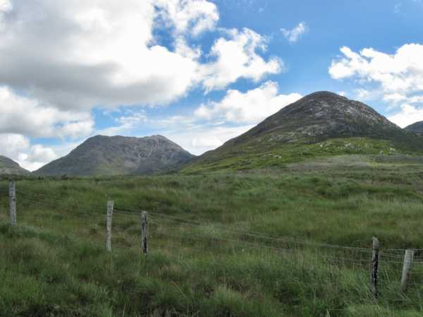 MountainViews.ie Picture about mountain Benglenisky in area Twelve Bens, Ireland